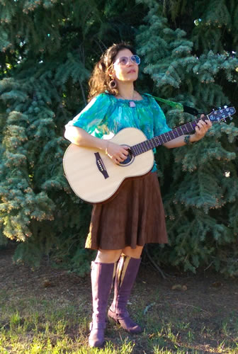 Fish Creek Fest featuring Rosanna D'Agnillo on voice/guitar and great purple boots!